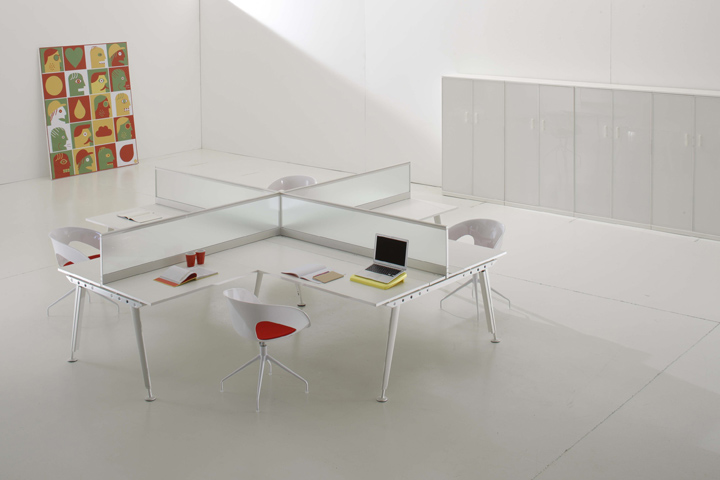 Interiorismo en oficinas ideas minimalistas vinilchic for Interiores de oficinas minimalistas